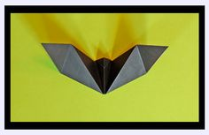 Easy origami bat for Halloween Bats lend themselves to paper folding since their bodies can be easily reduced to flat planes. Origami Simple, Diy Origami, Origami Paper, Origami Boxes, Origami Tooth, Origami Ideas, Origami Folding, Kirigami, Origami Instructions