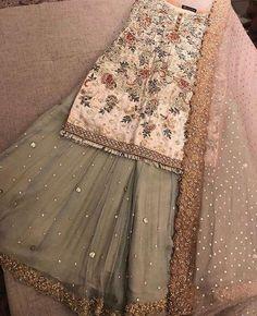 Pakistani dress/ partywear/ desi dresses/ indian dress Beautiful 3 piece kameez with pallazzo style pants. Pakistani Wedding Outfits, Bridal Outfits, Pakistani Dresses, Indian Dresses, Indian Outfits, Emo Outfits, Maria B, Mehndi, Desi Clothes