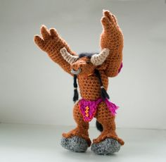So f****** AWESOME World of Warcraft crochet pattern for tauren doll / by tinyAlchemy