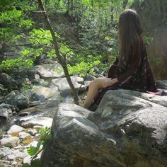 Taking it all in in the beauty of the forest. So peaceful and fulfilling .  #hippie #wilderness #forest  #mountains #explore #tgif  #goodmorning #travel #wanderlust #linvillefalls #creation #goodvibesonly #naturephotography #mountain #mountainview #kimono #river #gypsy #boho #magical #bohemian #adventure #outdoors #northcarolina #mountainclimbing #blueridgeparkway #highsociety #hiking #boheme #goals