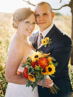 fall bridal bouquets, sunflower bouquets, calla lily bouquets, rustic wedding bouquets