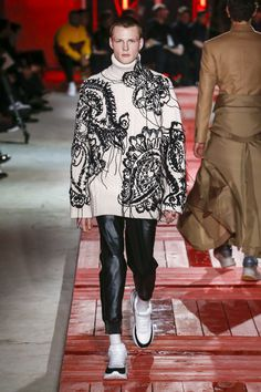 Alexander McQueen Fall 2018 Menswear Fashion Show Collection #alexandermcqueencouture