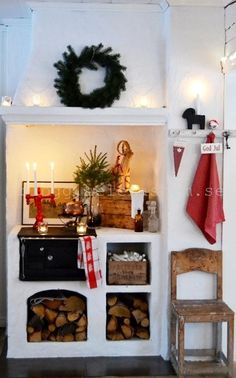 Scandi Christmas style is not too different from my decor style, I like texture, natural materials and keeping the colour palette simple. Big Christmas Tree, Christmas Feeling, Swedish Christmas, Scandinavian Christmas, Christmas Home, White Christmas, Xmas, Swedish Kitchen, Deco Champetre