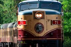 Napa Valley Wine Train from San Francisco: Gourmet Lunch, Wine Tasting and Vineyard Tour - San Francisco | Viator