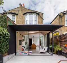 Image 1 of 41 from gallery of Acute Intervention / David Stanley Architects + Romy Grabosch. Photograph by Juliet Murphy House Extension Design, Extension Designs, Glass Extension, Rear Extension, Building Extension, Extension Ideas, Exterior Solutions, Double Vitrage, House Extensions