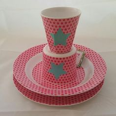 Fun, funky and functional kids dishes that are perfect for all occasions… Both indoor and outdoor! This set includes one of each kids dish - a plate, bowl, cup, and baby cup (with a handle). Christmas Bowl, Kids Dishes, Kids Plates, Best Kids Toys, Pink Stars, Dish Sets, Cool Patterns, Pattern Making, Safe Food