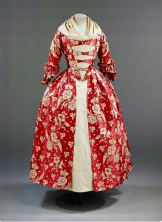 Red Silk Robe a l'Anglais -- 1760s -- Victoria & Albert Museum, London.