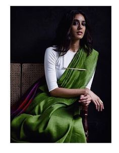 Designer Payal Khandwala shows you the millennial way to wear a saree Formal Saree, Casual Saree, Ethnic Fashion, Indian Fashion, Classy Fashion, Style Fashion, Fashion Beauty, Lehenga, Anarkali