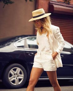 5 All-White Outfits To Inspire Your Post-Labor Day Wardrobe 5 All-White Outfits To Inspire Your Post-Labor Day Wardrobe Look Fashion, Urban Fashion, Fashion Outfits, Fashion Tips, Prep Fashion, Fashion Trends, Fashion Videos, Classy Fashion, Fashion Edgy