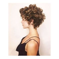 We love cutting curls and coloring with shiny organic hair color 🙌 Hair by Jayne here at Edo! Curly Hair Styles, Curly Hair Cuts, Short Hair Cuts, Thin Wavy Hair, Short Curls, Short Curly Haircuts, Bob Hairstyles, 1950s Hairstyles, Natural Hairstyles