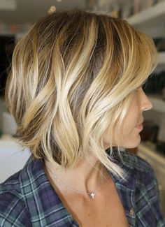 Short Wavy Hair 2012 - 2013……re pinned by Maurie Daboux 웃╰☆╮