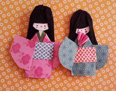 Come fare bambole kokeshi in carta.  Il Tutorial, in italiano, e con le foto di tutti i passaggi, è di Alice di What The Ledies Want.  Vai alle istruzioni.