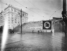 La Gran Vía sin la Telefónica. 1942 Foto Madrid, Big Ben, Once Upon A Time, Black And White, Retro, Building, Pictures, Travel, Magic City