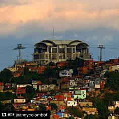 #Repost @jeannycolombof with @repostapp. ・・・ Metrocable San Agustín.