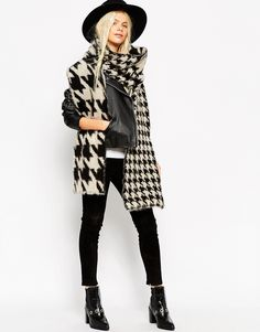 PICTURE 44. Echarpe à 27,99€  http://www.asos.fr/pgeproduct.aspx?iid=5498963&CTAref=Saved+Items+Page