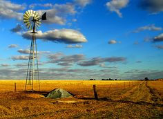 Corrigin, Western Australia I spent a year teaching in this town a long time ago. This picture doesn't do it justice as it is a prosperous farming town. Perth Western Australia, Australia Day, Australia Travel, Cool Pictures, Cool Photos, Old Windmills, Country Scenes, Le Moulin, The Ranch
