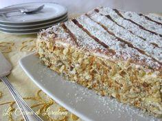 Un dolce semplice ma dal successo assicurato: Millefoglie alla Crema, tre strati di friabile pasta sfoglia ed un ripieno delizioso di crema e panna