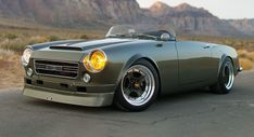 Tailor made 1966 Datsun Roadster by Japanese Classics – radical On dream , essentials , , cars , car You have to wait six months to purchase a fuel efficient automobile made from overseas. Nissan Silvia, Radios, Datsun 1600, Datsun Roadster, Ford Classic Cars, Fender Flares, Off Road, Japanese Models, Vintage Cars