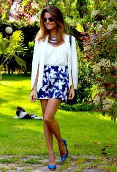 Fashion and Style Blog / Blog de Moda . Post: My Look / Mi Look  .More pictures on/ Más fotos en : http://www.ohmylooks.com/?p=27654 .Llevo/I wear: Blouse / Blusa , Shorts : Zara ; Jacket / Chaqueta : Sheinside ; Bag / Bolso : Michael Kors ; Shoes / Zapatos : Pilar Burgos