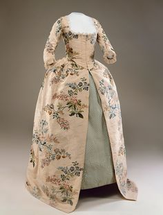 Robe à l'anglaise, 1745-59, altered 1791 and 1824 From Historic Deerfield