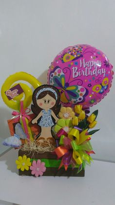 Balloon Arrangements, Balloon Decorations, Homeade Gifts, Balloon Shop, Candy Bouquet, Bff Gifts, Ideas Para Fiestas, Candy Boxes, Gift Baskets