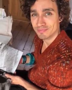 Robert Sheehan, Under My Umbrella, Gorgeous Eyes, Beautiful, Thanks For Sharing, Shows On Netflix, Dream Guy, My People, Princess Of Power