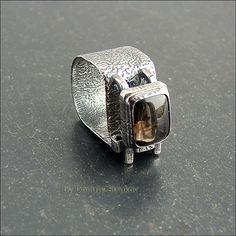 Перстень с широкой фактурной шинкой