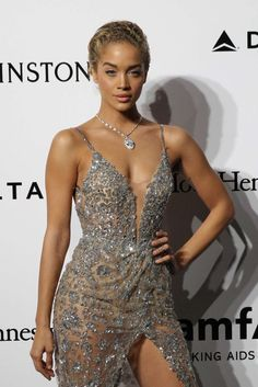 or Hmm… Jasmine Sanders's amfAR Milano 2016 Berta Fall 2017 Embellished Wrap Dress Glam Dresses, Sexy Dresses, Fashion Dresses, Girls Dresses, Wedding Dresses, Jasmine Sanders, Mens Fashion Week, Daily Fashion, Off Shoulder Long Dress