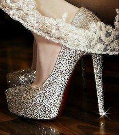 sapatos com pedrarias | Sapato com pedraria Sapatos para noiva: 10 dicas infalíveis para ...