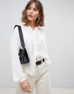 Browse online for the newest Vero Moda Button Down Long Sleeve Blouse styles. Shop easier with ASOS' multiple payments and return options (Ts&Cs apply). Floral Playsuit, Floral Print Skirt, Midi Shirt Dress, White Casual, White Tops, Blouse Styles, Pop Fashion, Printed Skirts, Work Wear