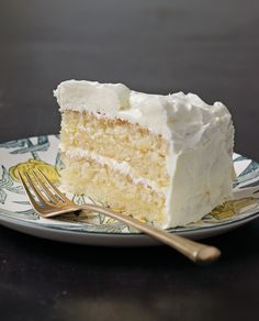 Gluten Free Lemon Cake- this is for all those who are glutten free- Looks & sounds great! Instructions: http://www.cravebyrandomhouse.ca/2012/10/31/gluten-free-lemon-layer-cake/