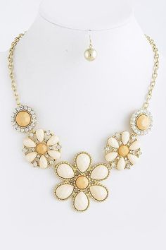 peach floral bib necklace $25...pretty!