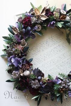 オリーブの葉とパープルフラワーのリース beautiful wreath with olive leaves and puple flowers