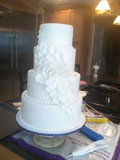Cascading Petal White Wedding Cake This is a wedding cake I made for my sister in laws wedding. It is 4 tiers consisting of a Round Wedding Cakes, Diy Wedding Cake, Round Cakes, 12 Inch Cake, Cake Sizes, Cake Central, Dessert Decoration, Specialty Cakes, Dream Wedding