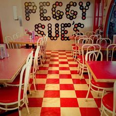 On the way back from Las Vegas had to stop by Peggy Sue's Diner for a chocolate coke #soda #sodalirious #50sdiner #american #localbusiness