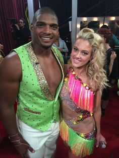 Remember to vote for #TeamSambatroyd! 1-855-234-5603 or online at http://vote-e.abc.go.com/shows/dancing-with-the-stars/vote/season-20 … OR https://apps.facebook.com/votedwts/