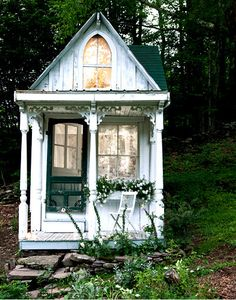 andra Foster turned a Catskills hunting cabin into the romantic Victorian cottage she had always wanted, using vintage columns, flooring and wavy glass windows, and doing the carpentry herself.