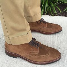 brickmortarseattle Neutral tones with @jdsasso. Pictured with our Alden x Brick + Mortar Snuff Suede Wingtip Boots. Have a  great weekend, everyone! // #BrickMortarSeattle #AldenPeople 2016/07/24 03:53:03