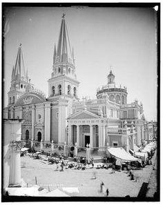 Catedral de Guadalajara siglo XIX  www.salutaris.mx