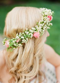 Summer Wedding. Floral crown by Hedge Fine Blooms. Photography by Katie Stoops.