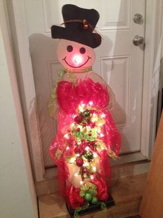 4' Primitive snowman made by Tammy's Primitives. Can make one for you too.