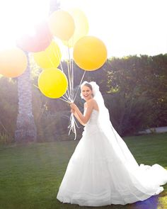 Awesome bride picture with balloons!