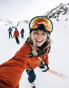 Snowboarding Style, Ski And Snowboard, Shotting Photo, Cute Poses For Pictures, Ski Season, Snow Skiing, Winter Pictures, Winter Photography, Outdoor Outfit