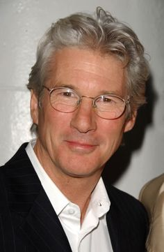 Not Richard Gere. Richard Gere, Best Hairstyles For Older Men, Robert Ri'chard, Celebrities Then And Now, Hollywood, Grey Hair, Celebrity Workout, Role Models, Movie Stars