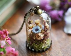 Real flower terrarium necklace gifts for her dried flower Real Flowers, Dried Flowers, Paper Flowers, Bottle Charms, Resin Charms, Cute Necklace, Bottle Necklace, Terrarium Necklace, Free Printable Gift Tags