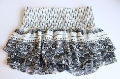 EXPRESS Clothing Womens Paisley Printed Smock Waist Wide Waist Band Casual Shorts Size Small