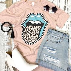 ��� my favorite combo... leopard and stripes!  �Rock Out Tee Cute Graphic Tees, Contemporary Fashion, My Favorite Things, Stripes, Graphic Sweatshirt, Summer Styles, Crop Tops, Rock, Boutiques