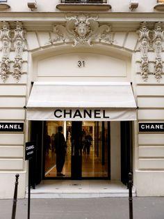Chanel House Paris Parte de baixo das janelas