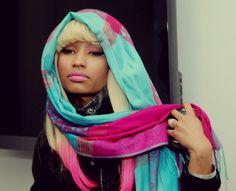 Nicki Minaj & scarf