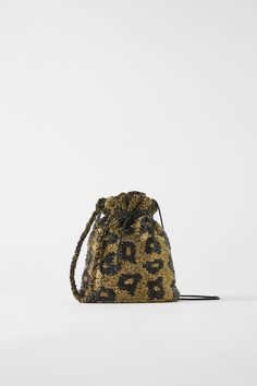 As you begin to dive deeper into your fall shopping, you may be left wondering what purse trends you should invest in. Well, according to Zara's new arrivals, animal-print bags are a closet essential for the season ahead. Gym Bag Essentials, Online Zara, Latest Bags, Zara Bags, Embroidered Bag, Beaded Animals, Beaded Bags, Fall Trends, Cloth Bags